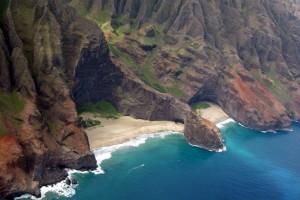 Nā Pali Coast - Honopū Arch and Honopū Beach